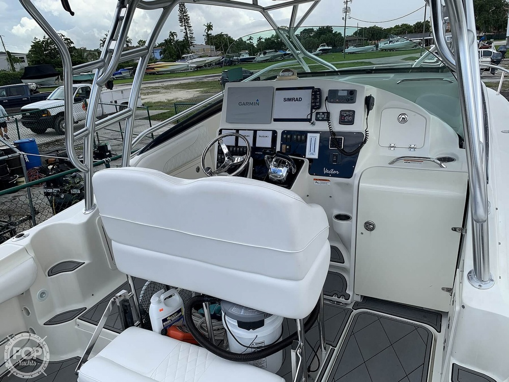 2005 Hydra-Sports boat for sale, model of the boat is 3300 Vector EXP & Image # 35 of 40