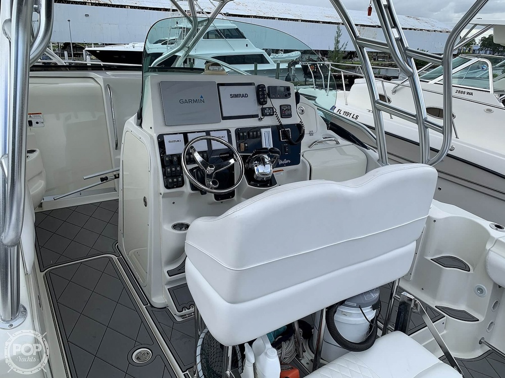 2005 Hydra-Sports boat for sale, model of the boat is 3300 Vector EXP & Image # 36 of 40