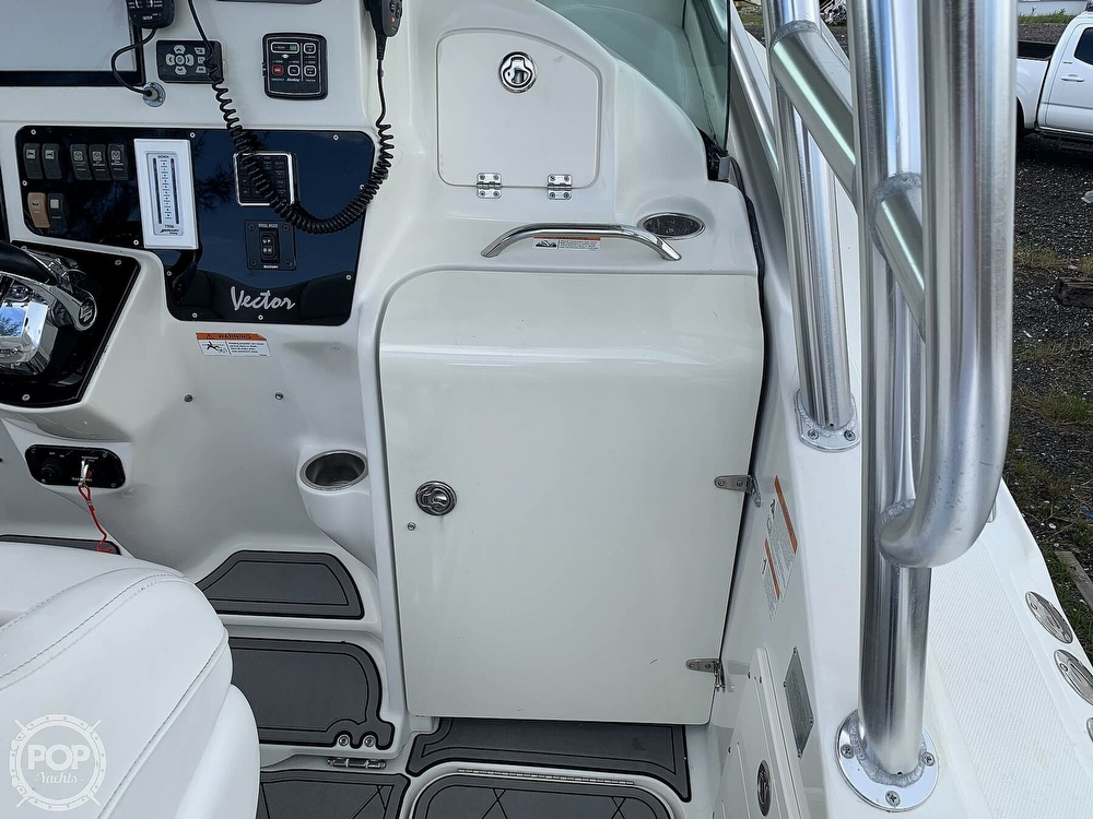 2005 Hydra-Sports boat for sale, model of the boat is 3300 Vector EXP & Image # 37 of 40