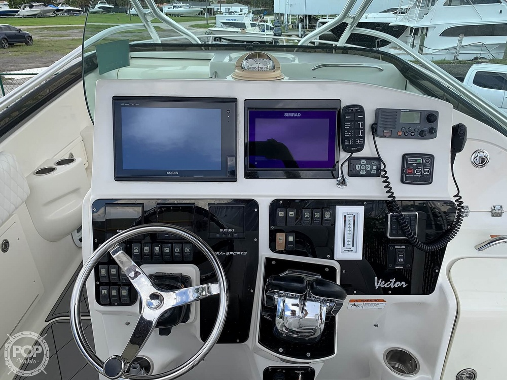 2005 Hydra-Sports boat for sale, model of the boat is 3300 Vector EXP & Image # 6 of 40