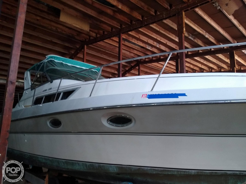 1989 Cruisers Yachts boat for sale, model of the boat is Espirit 3270 & Image # 4 of 40