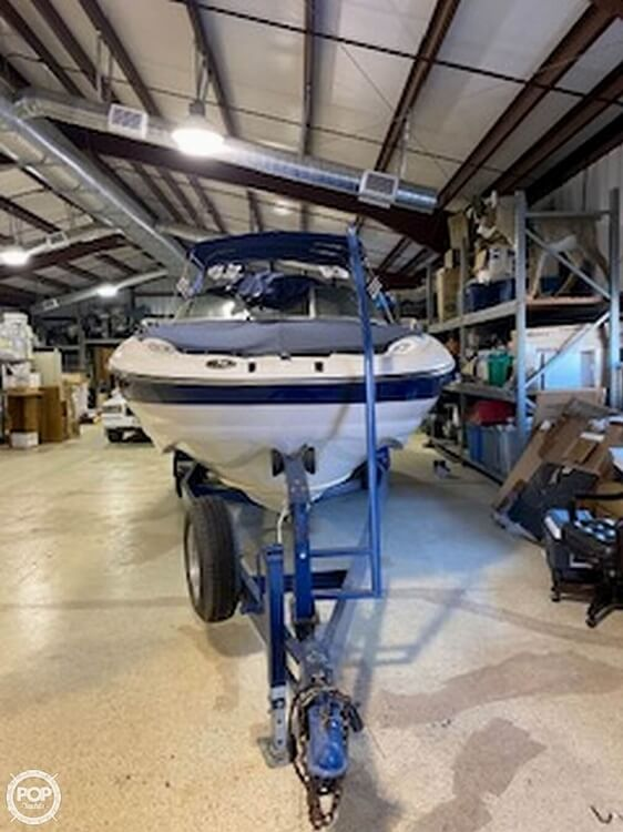 2004 Crownline boat for sale, model of the boat is 260 EX & Image # 5 of 41