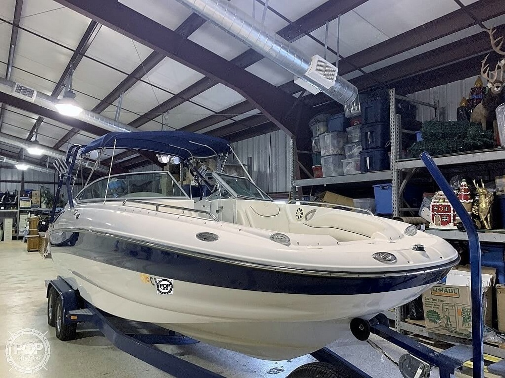 2004 Crownline boat for sale, model of the boat is 260 EX & Image # 7 of 41