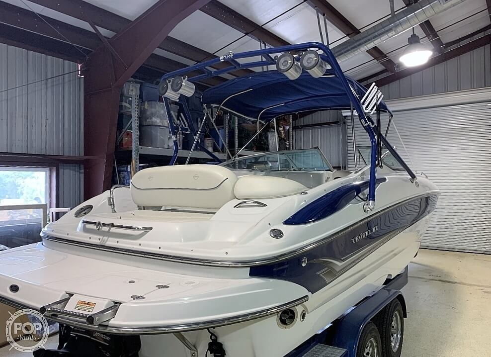 2004 Crownline boat for sale, model of the boat is 260 EX & Image # 10 of 41
