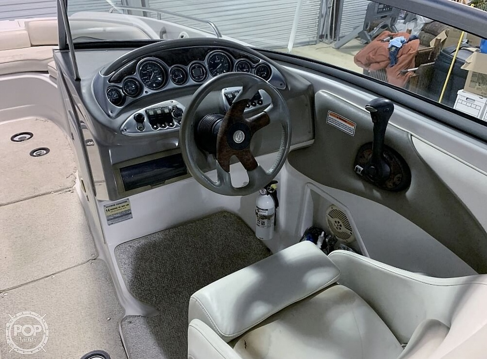 2004 Crownline boat for sale, model of the boat is 260 EX & Image # 31 of 41