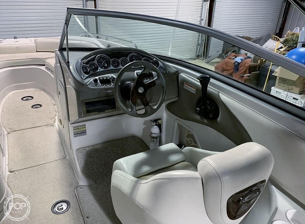 2004 Crownline boat for sale, model of the boat is 260 EX & Image # 33 of 41