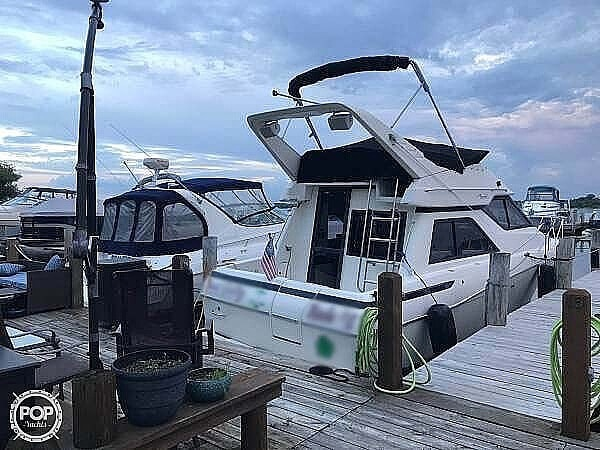 1996 Bayliner boat for sale, model of the boat is Avanti 3258 & Image # 4 of 40