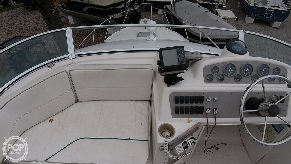 1996 Bayliner boat for sale, model of the boat is Avanti 3258 & Image # 13 of 40