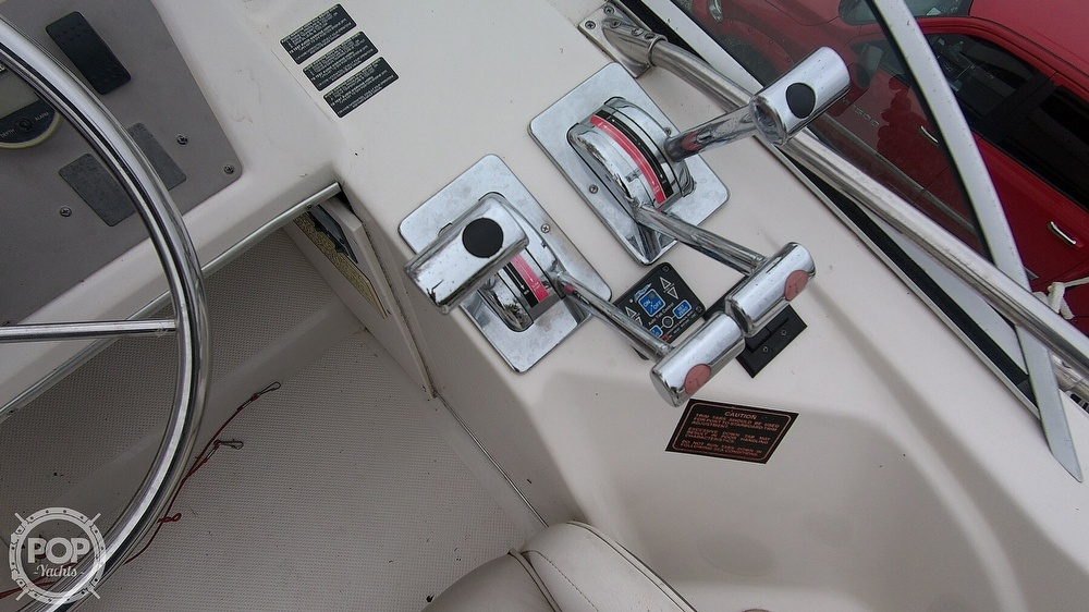 1996 Bayliner boat for sale, model of the boat is Avanti 3258 & Image # 21 of 40