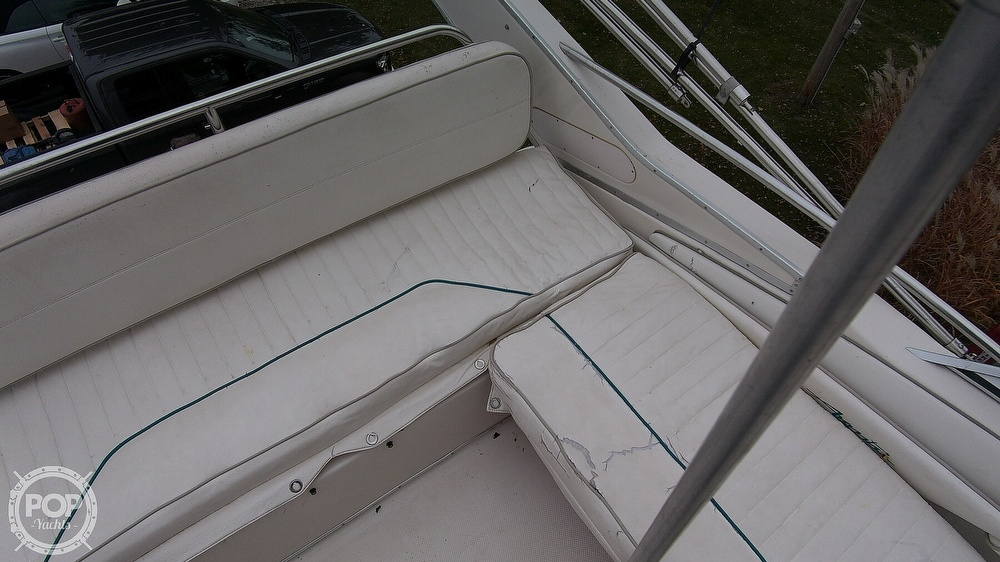 1996 Bayliner boat for sale, model of the boat is Avanti 3258 & Image # 26 of 40