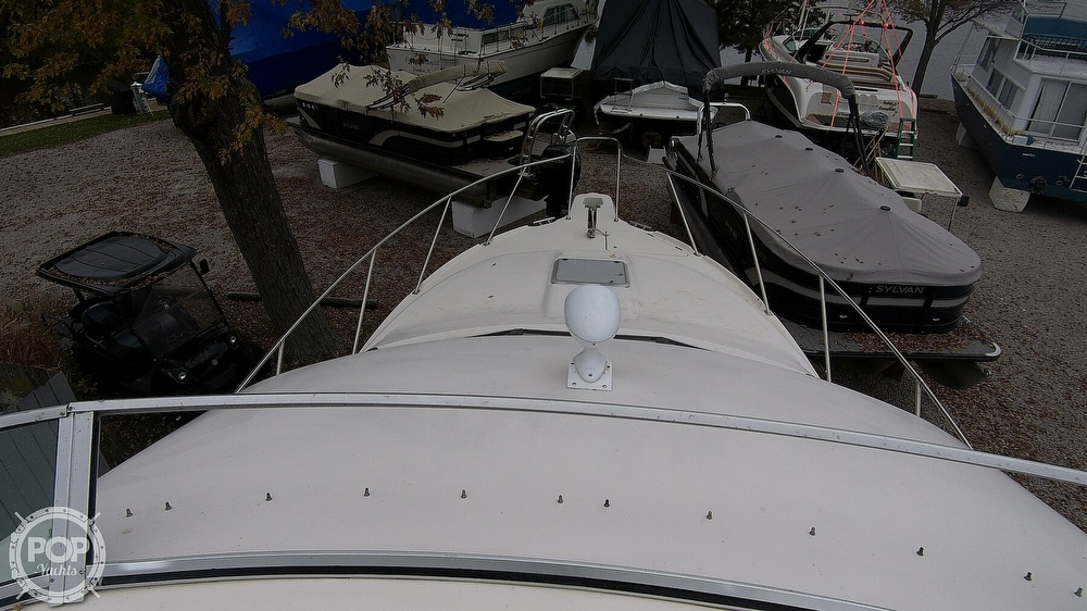 1996 Bayliner boat for sale, model of the boat is Avanti 3258 & Image # 28 of 40