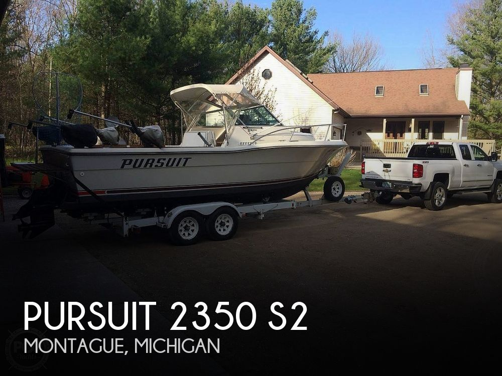 Used Pursuit Boats For Sale in Michigan by owner   1989 Pursuit 2350 S2