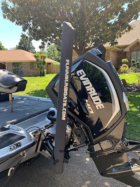 2019 Phoenix boat for sale, model of the boat is 721 PRO XP & Image # 2 of 40