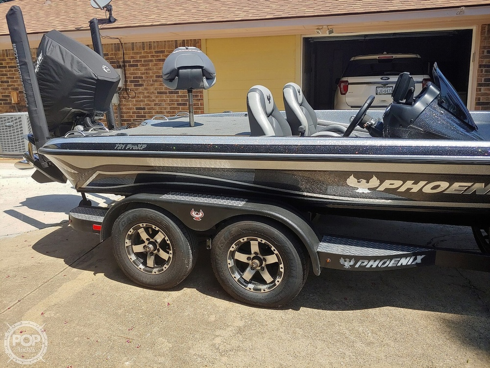 2019 Phoenix boat for sale, model of the boat is 721 PRO XP & Image # 22 of 40