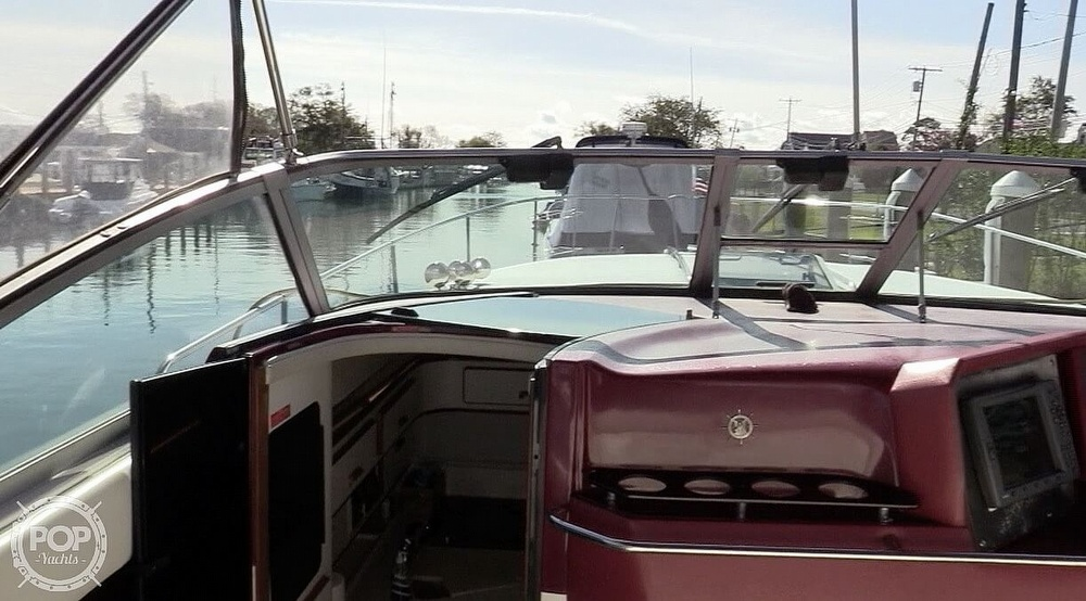 1990 Sea Ray boat for sale, model of the boat is 350 Express Cruiser & Image # 27 of 40