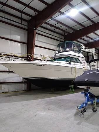 1990 Sea Ray boat for sale, model of the boat is 440 Aft Cabin & Image # 2 of 15