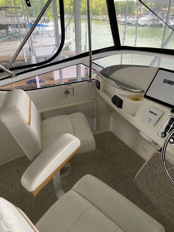 2007 Carver 36 Motor Yacht - image 3