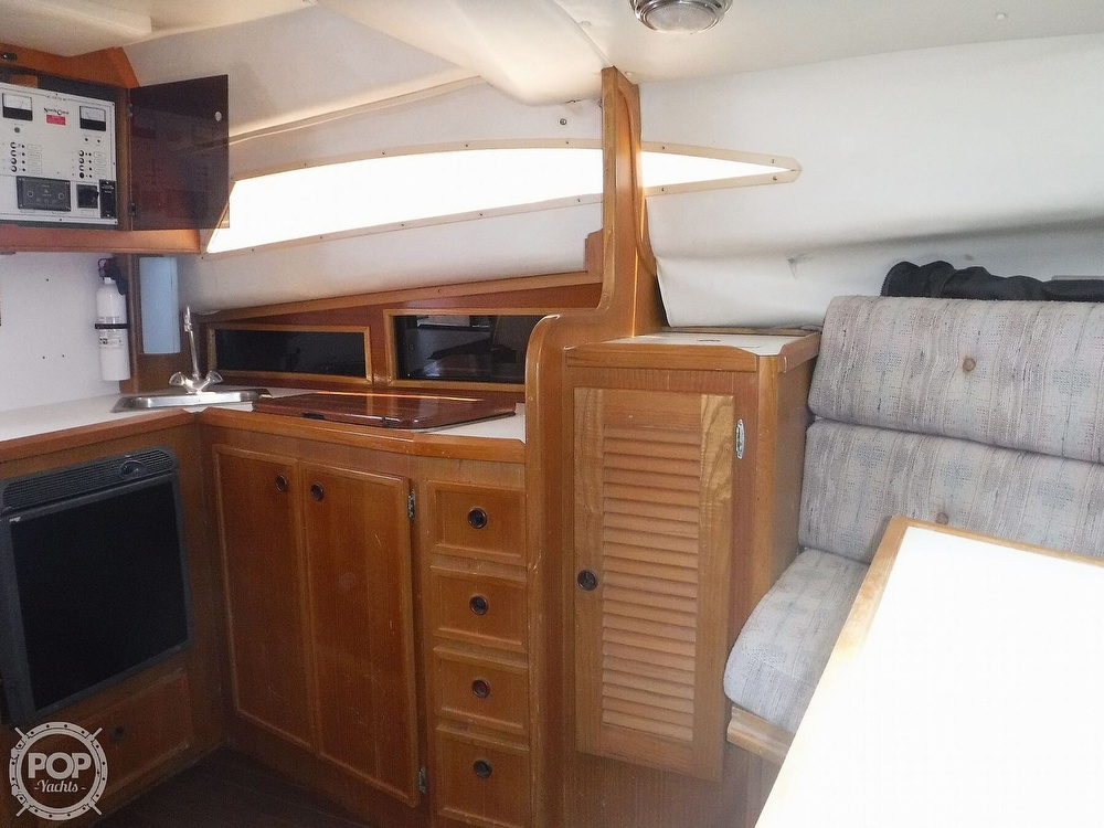 1989 North Coast boat for sale, model of the boat is 31 Express & Image # 14 of 40