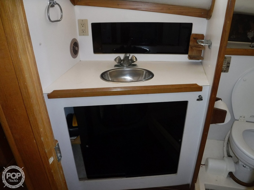 1989 North Coast boat for sale, model of the boat is 31 Express & Image # 17 of 40
