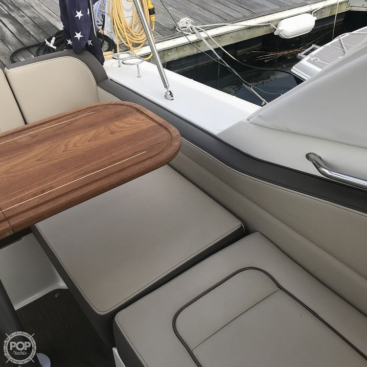 2015 Sea Ray boat for sale, model of the boat is 310 Sundancer & Image # 18 of 41