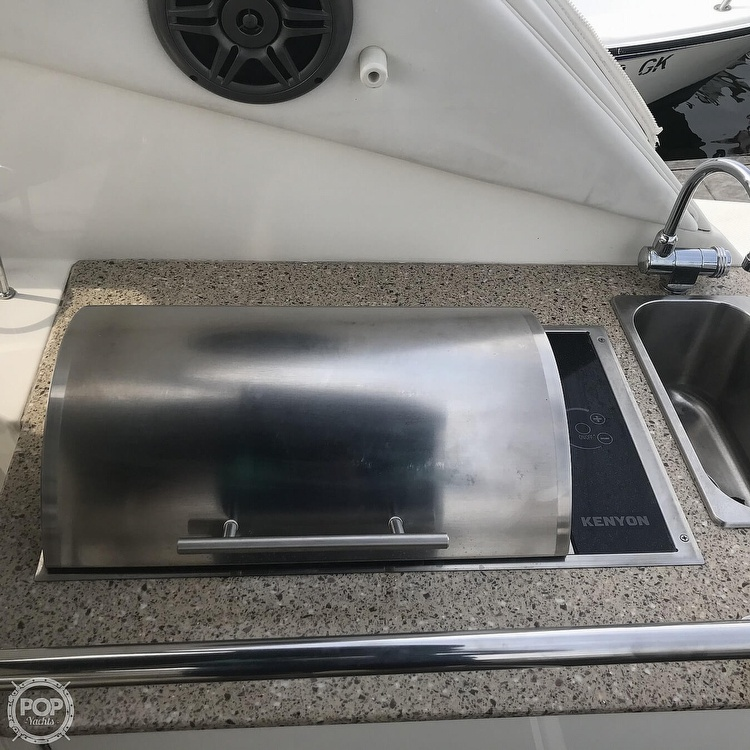 2015 Sea Ray boat for sale, model of the boat is 310 Sundancer & Image # 22 of 41