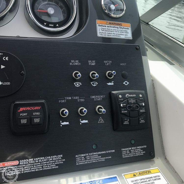 2015 Sea Ray boat for sale, model of the boat is 310 Sundancer & Image # 33 of 41