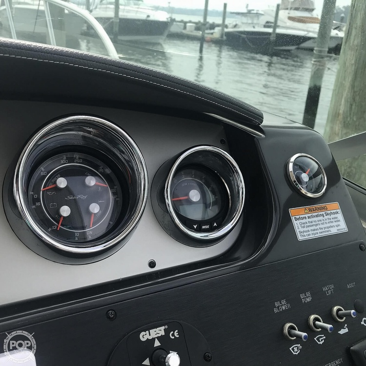 2015 Sea Ray boat for sale, model of the boat is 310 Sundancer & Image # 36 of 41