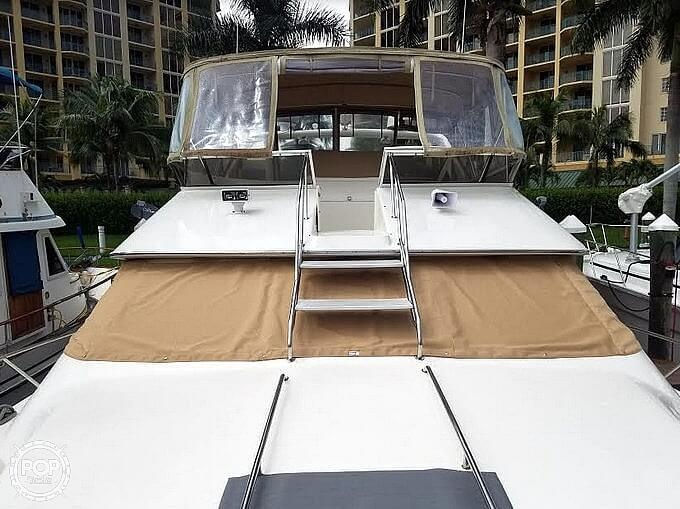 1996 Sea Ray boat for sale, model of the boat is 440 Express Bridge & Image # 2 of 40