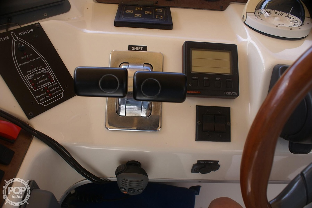 1996 Sea Ray boat for sale, model of the boat is 440 Express Bridge & Image # 28 of 40