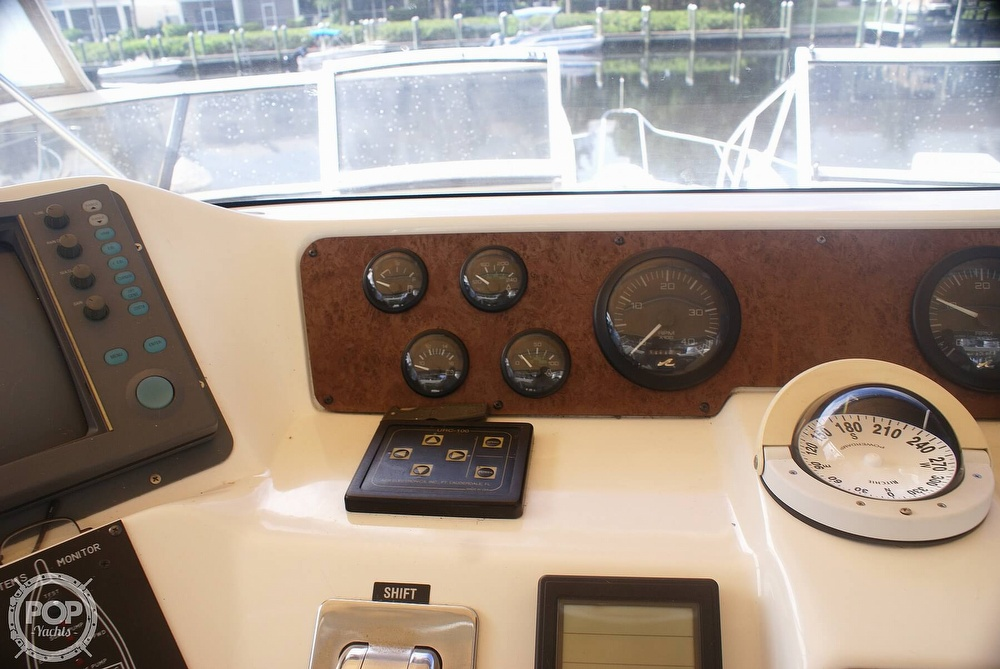 1996 Sea Ray boat for sale, model of the boat is 440 Express Bridge & Image # 33 of 40