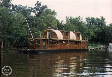 1983 Custom 75 Houseboat