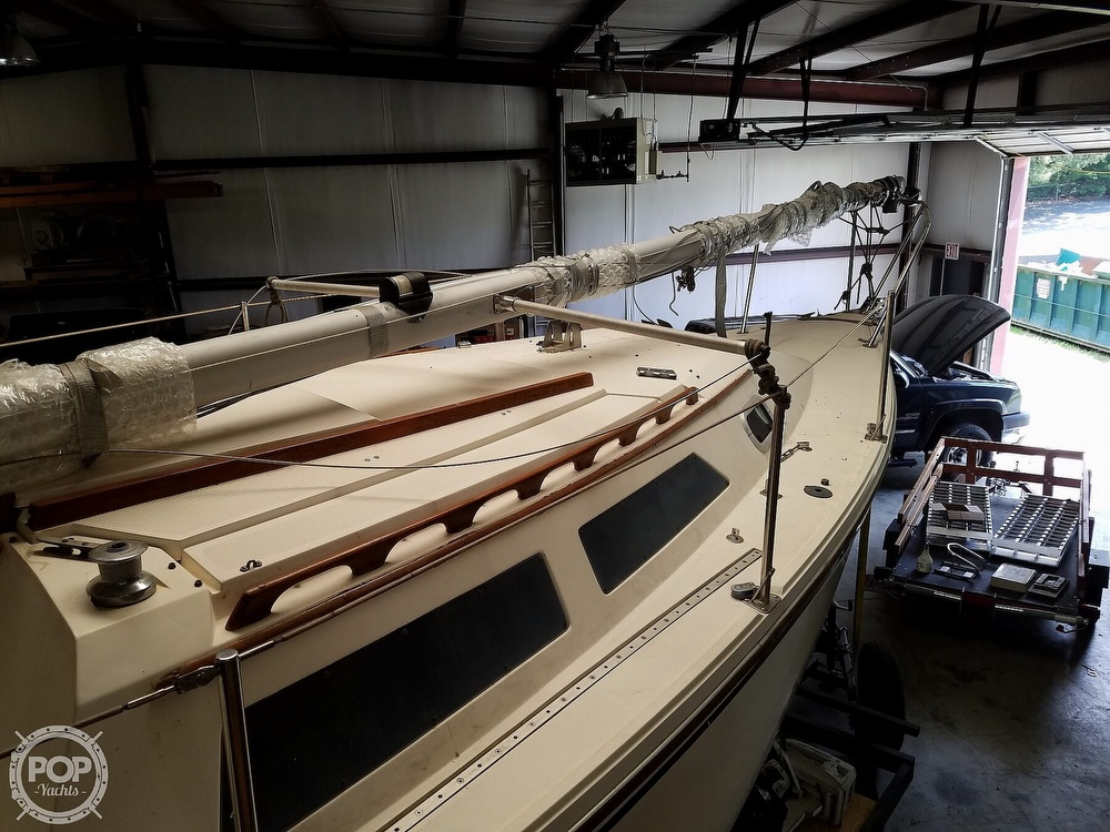 1989 Catalina Yachts boat for sale, model of the boat is 25 & Image # 4 of 41