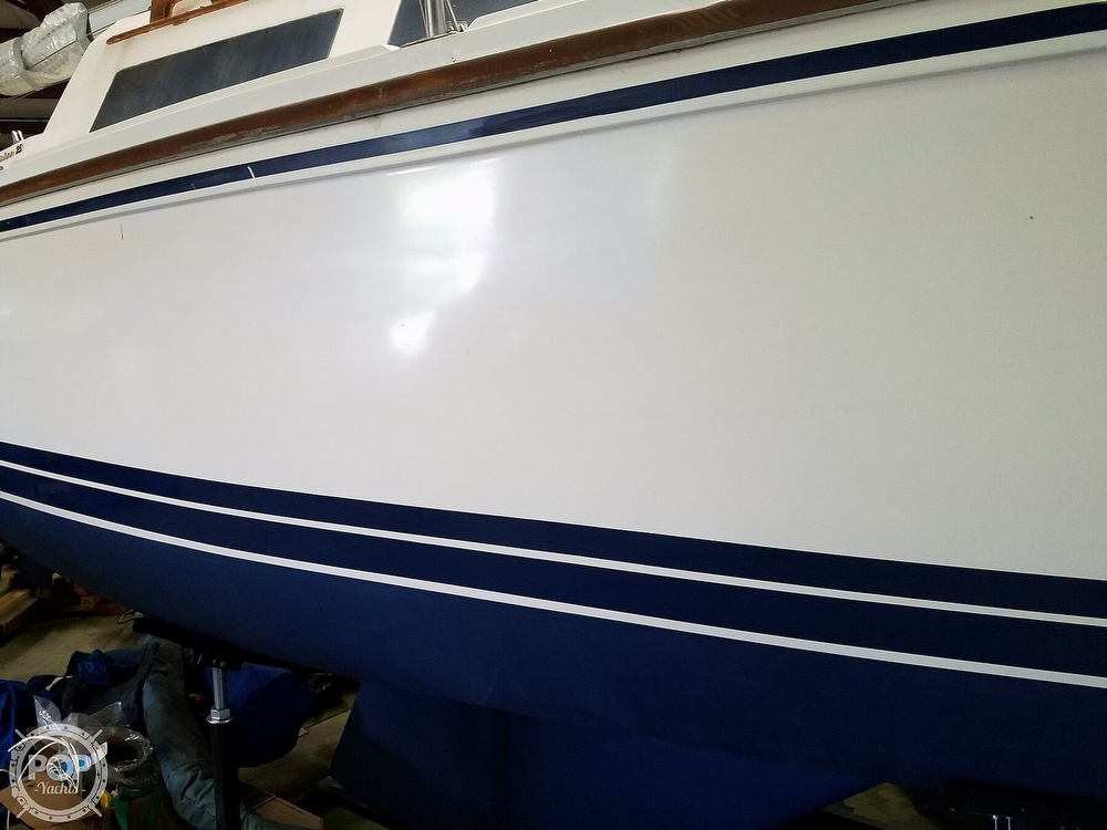 1989 Catalina Yachts boat for sale, model of the boat is 25 & Image # 30 of 41