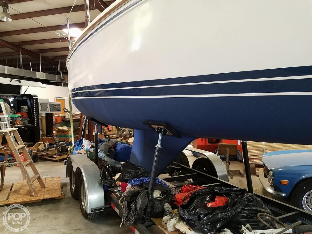 1989 Catalina Yachts boat for sale, model of the boat is 25 & Image # 31 of 41