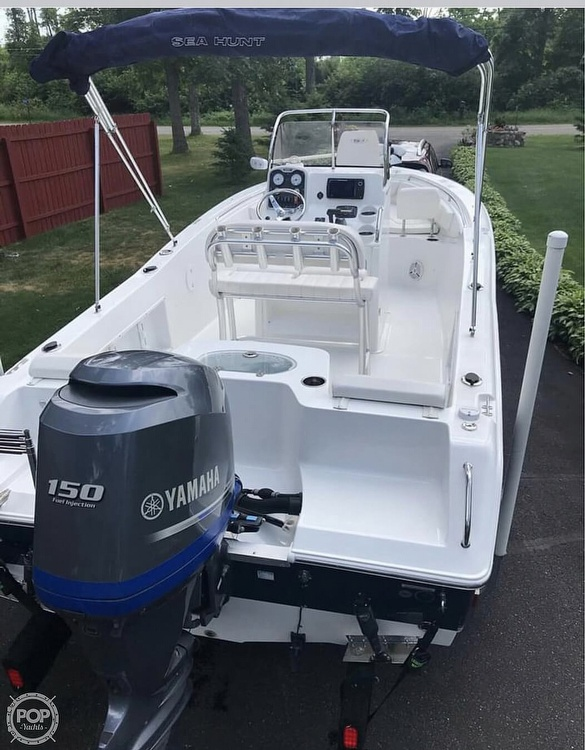 2014 Sea Hunt boat for sale, model of the boat is Tri 210 & Image # 1 of 1
