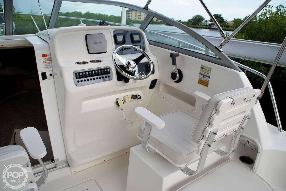 2007 Robalo boat for sale, model of the boat is R225 & Image # 31 of 40