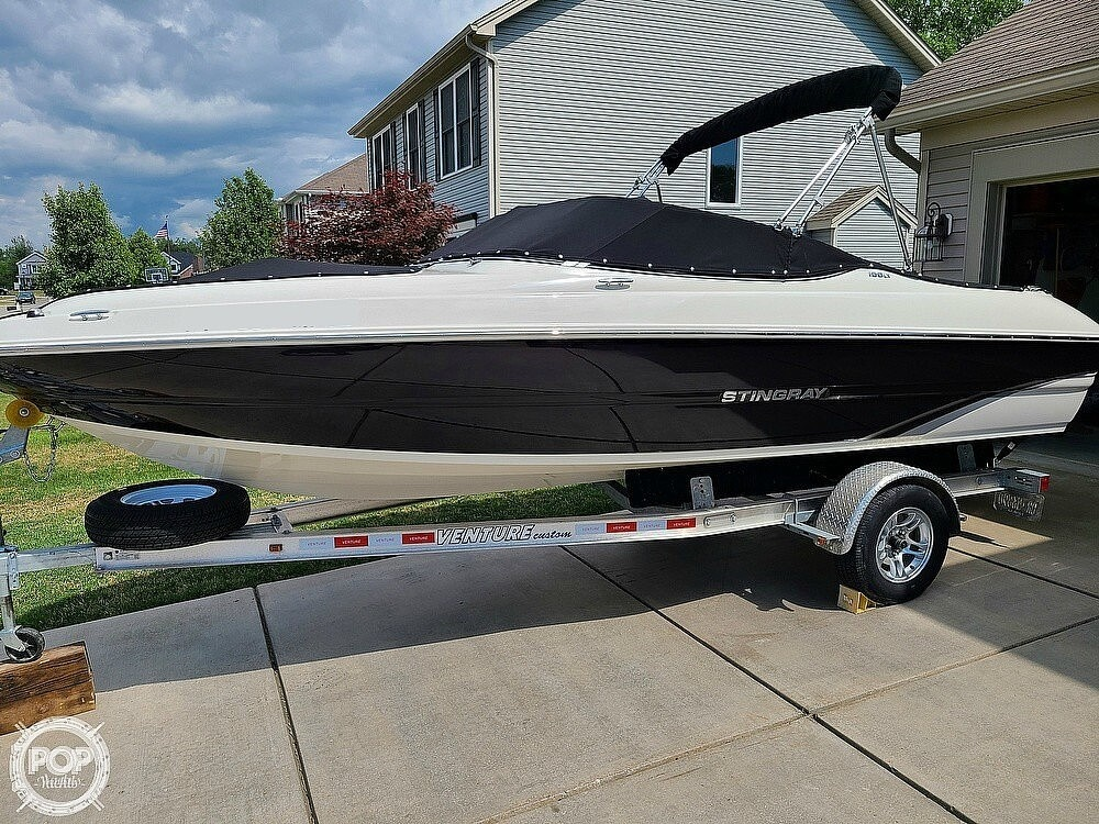 2018 Stingray boat for sale, model of the boat is 198 LX & Image # 3 of 41