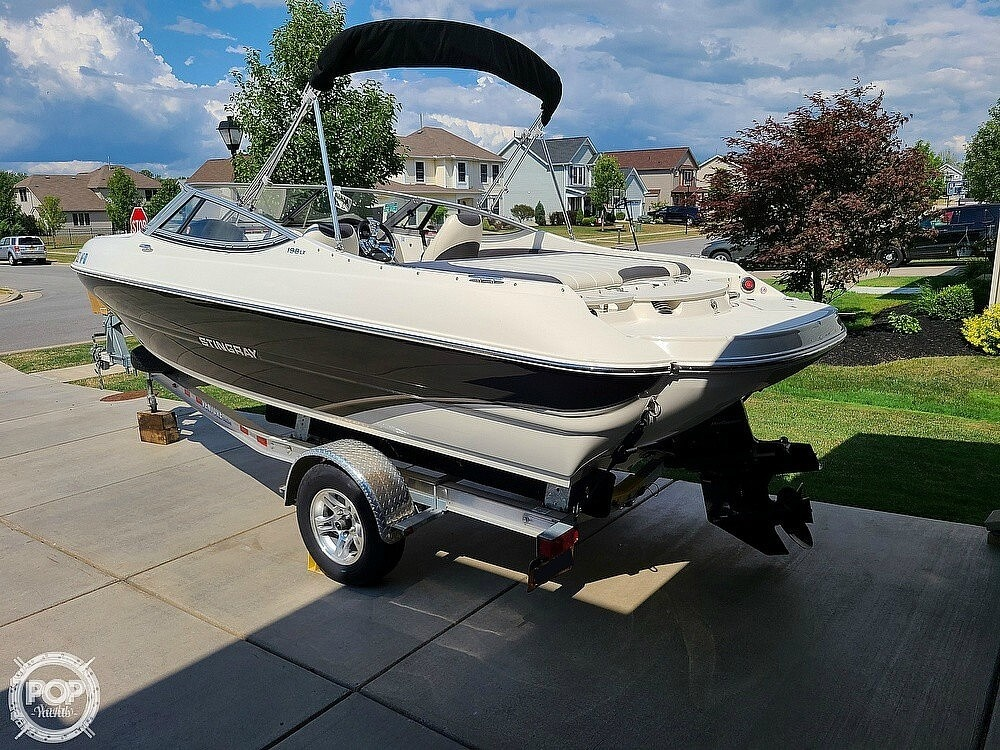 2018 Stingray boat for sale, model of the boat is 198 LX & Image # 4 of 41