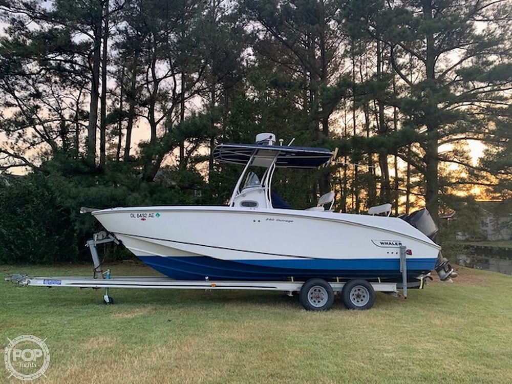 2004 Boston Whaler boat for sale, model of the boat is 240 Outrage & Image # 1 of 4