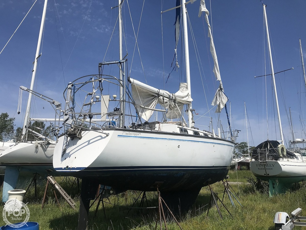 1983 Endeavour boat for sale, model of the boat is 35 & Image # 2 of 40