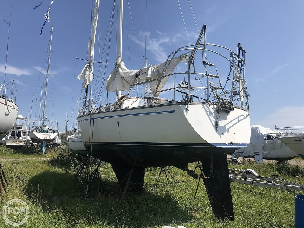 1983 Endeavour boat for sale, model of the boat is 35 & Image # 25 of 40