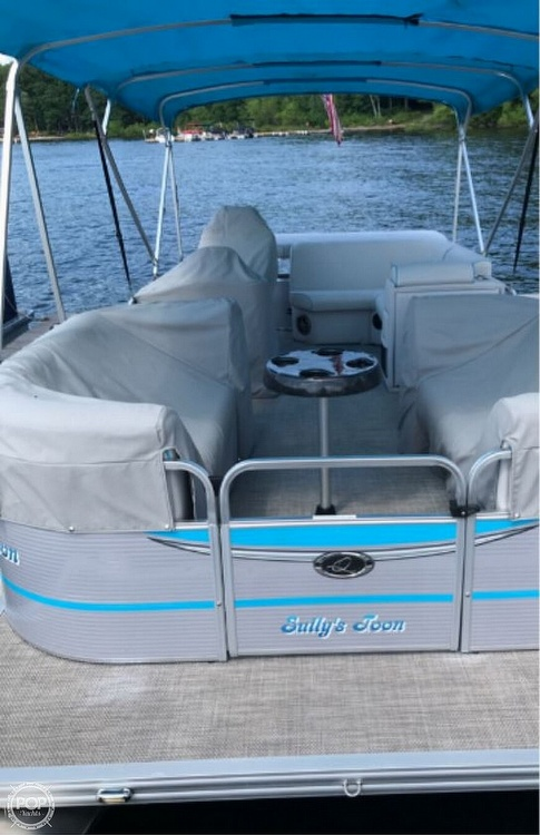 2016 Qwest boat for sale, model of the boat is Apex 820 LS & Image # 4 of 22