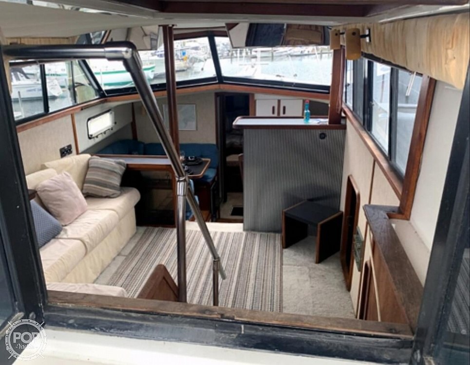 1985 Carver boat for sale, model of the boat is 36 Aft Cabin & Image # 3 of 40