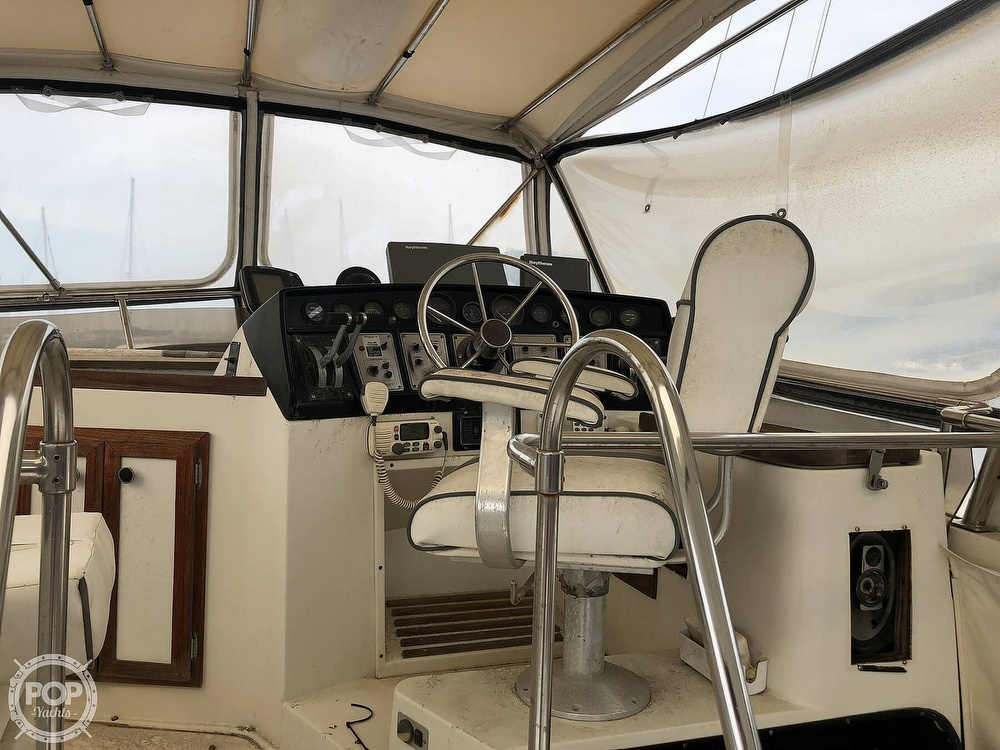 1985 Carver boat for sale, model of the boat is 36 Aft Cabin & Image # 18 of 40