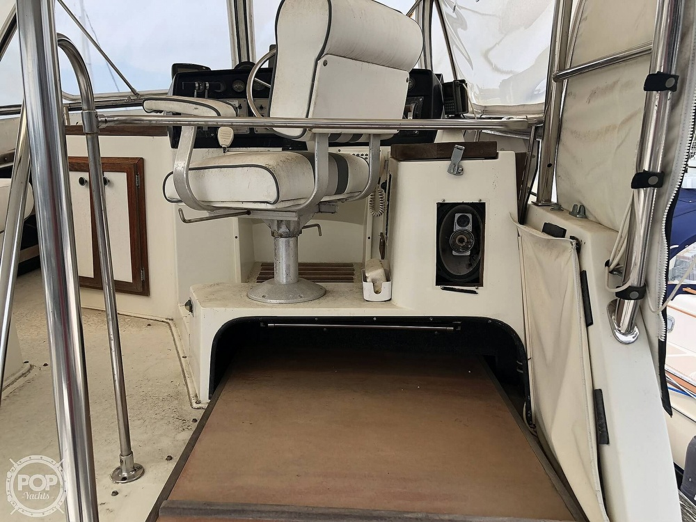 1985 Carver boat for sale, model of the boat is 36 Aft Cabin & Image # 20 of 40