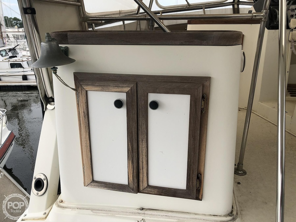 1985 Carver boat for sale, model of the boat is 36 Aft Cabin & Image # 22 of 40