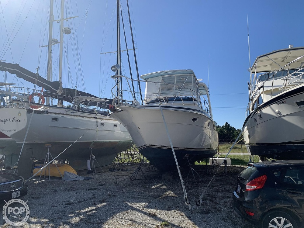 1994 Cruisers Yachts boat for sale, model of the boat is 4285 Express Bridge & Image # 2 of 40