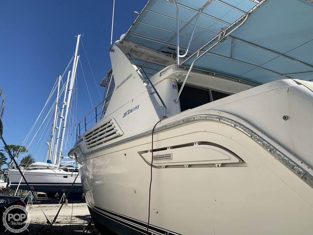 1994 Cruisers Yachts boat for sale, model of the boat is 4285 Express Bridge & Image # 7 of 40