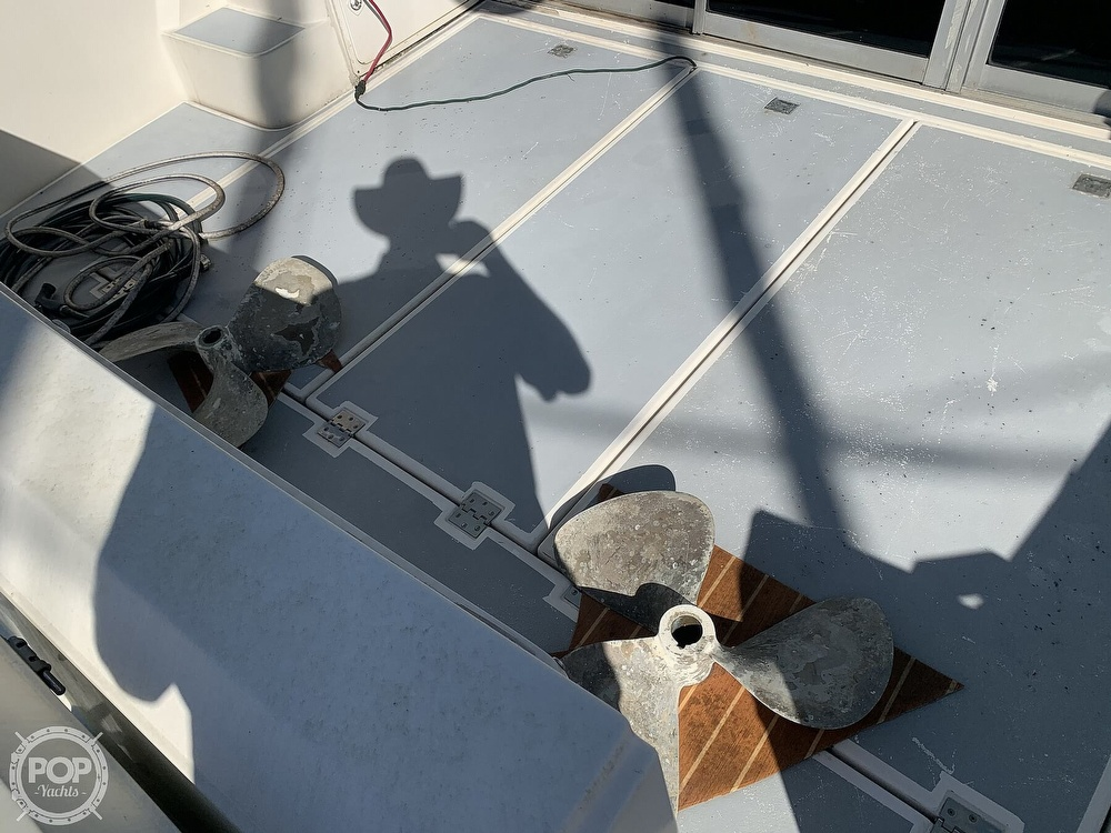 1994 Cruisers Yachts boat for sale, model of the boat is 4285 Express Bridge & Image # 23 of 40