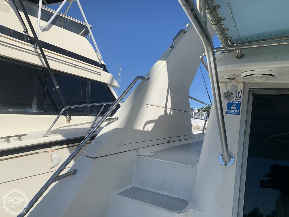 1994 Cruisers Yachts boat for sale, model of the boat is 4285 Express Bridge & Image # 30 of 40
